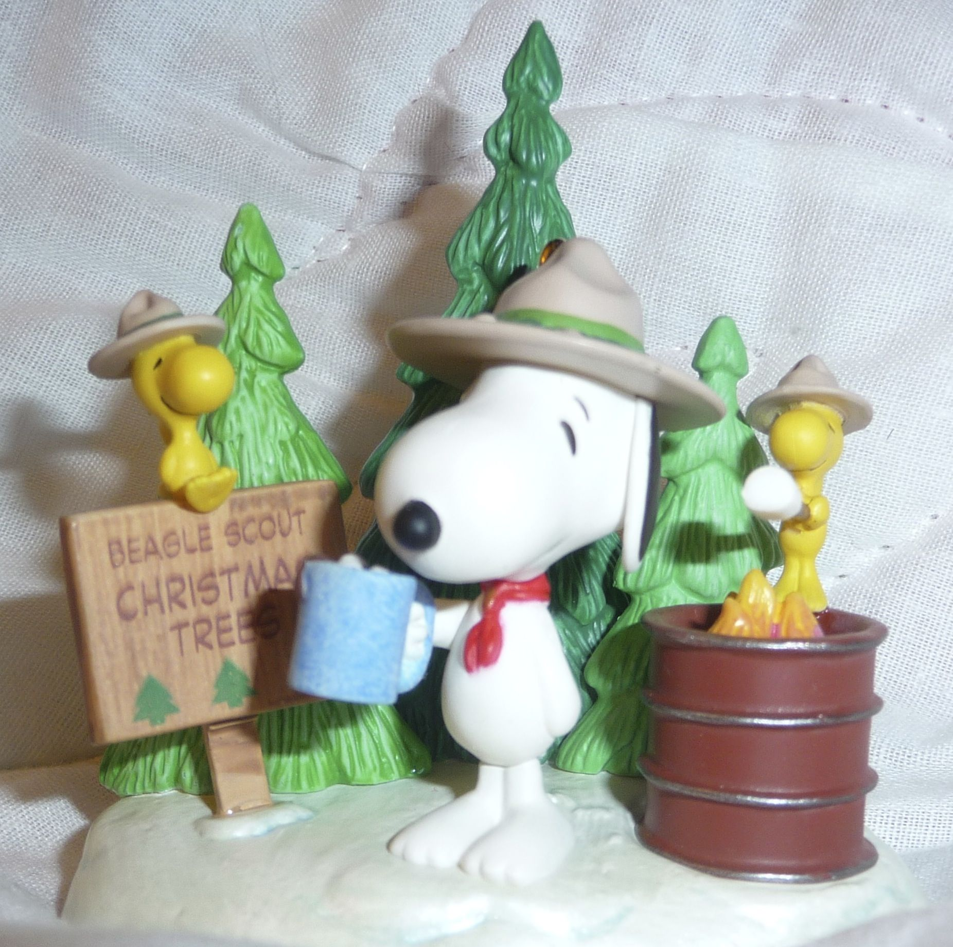 Snoopy Beagle Scout Christmas Tree Lot Ornament Snoopy Beagle Charlie Brown And Snoopy Snoopy