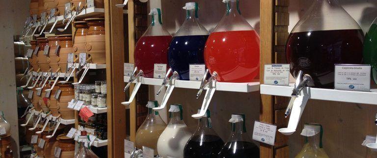 Vom Fass Barcelona Aceites Vinagres Y Licores A Granel Para Gourmets En 2020 Tienda De Licor Aceite Negocio De Limpieza