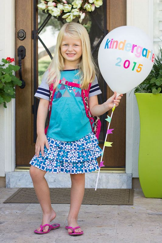 11 creative first day of school photos ideas we love. (And easy, too!)