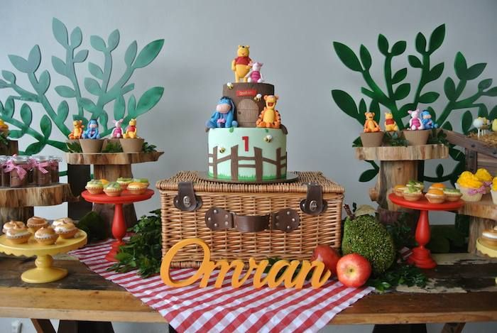 Rustic Winnie The Pooh 1st Birthday Party Via Kara S Ideas Karaspartyideas Winniethepooh