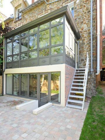 extension une v randa sur deux niveaux pour agrandir une maison en meuli re maison meuliere. Black Bedroom Furniture Sets. Home Design Ideas