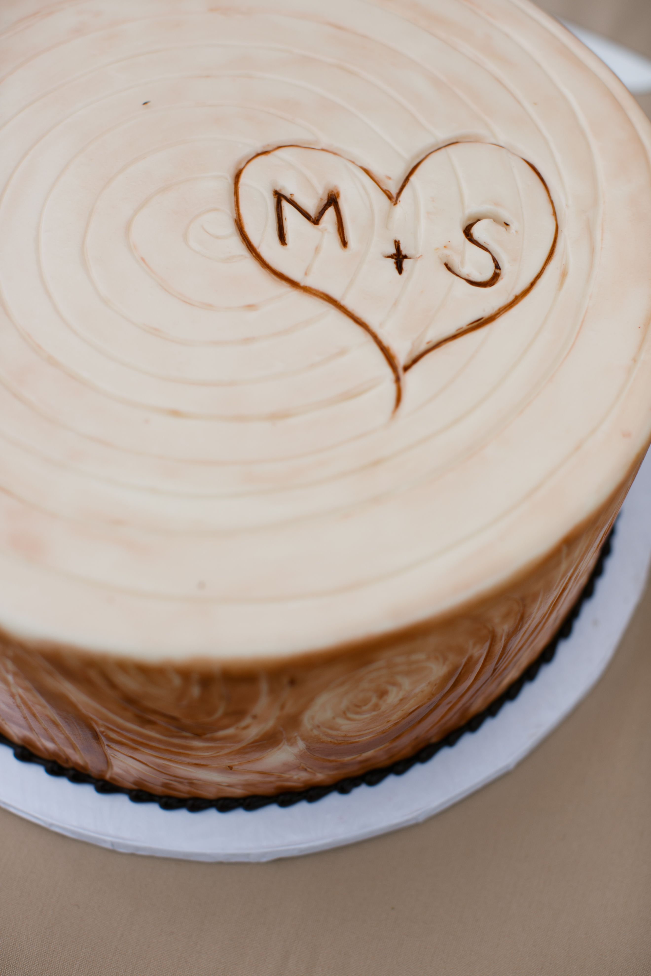 Beach wedding looks  Malibu Beach Wedding  Groomus Cake looks like the centerpiece on