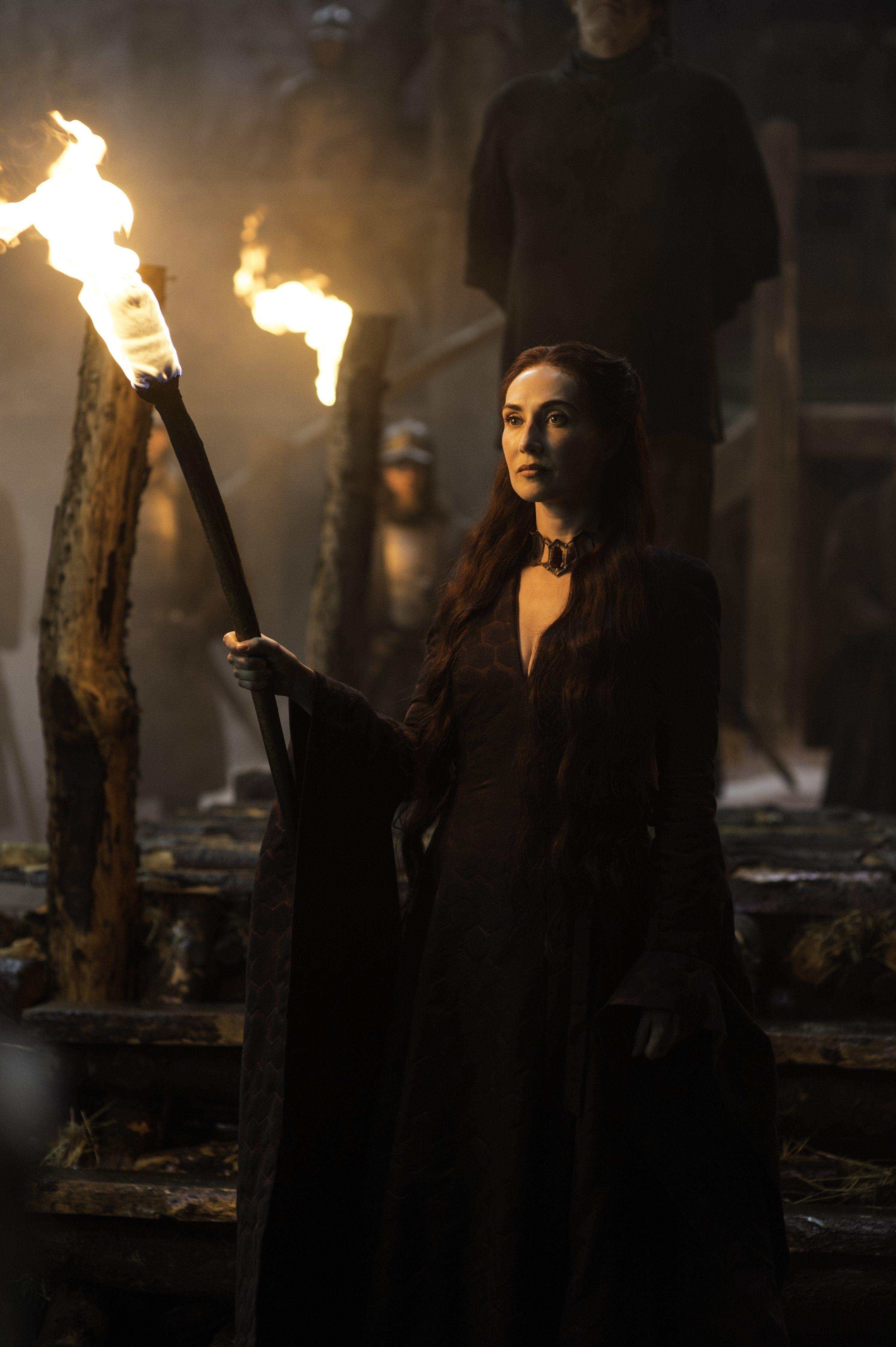 Game of Thrones Season 5 Episode 1 Melisandre, Red