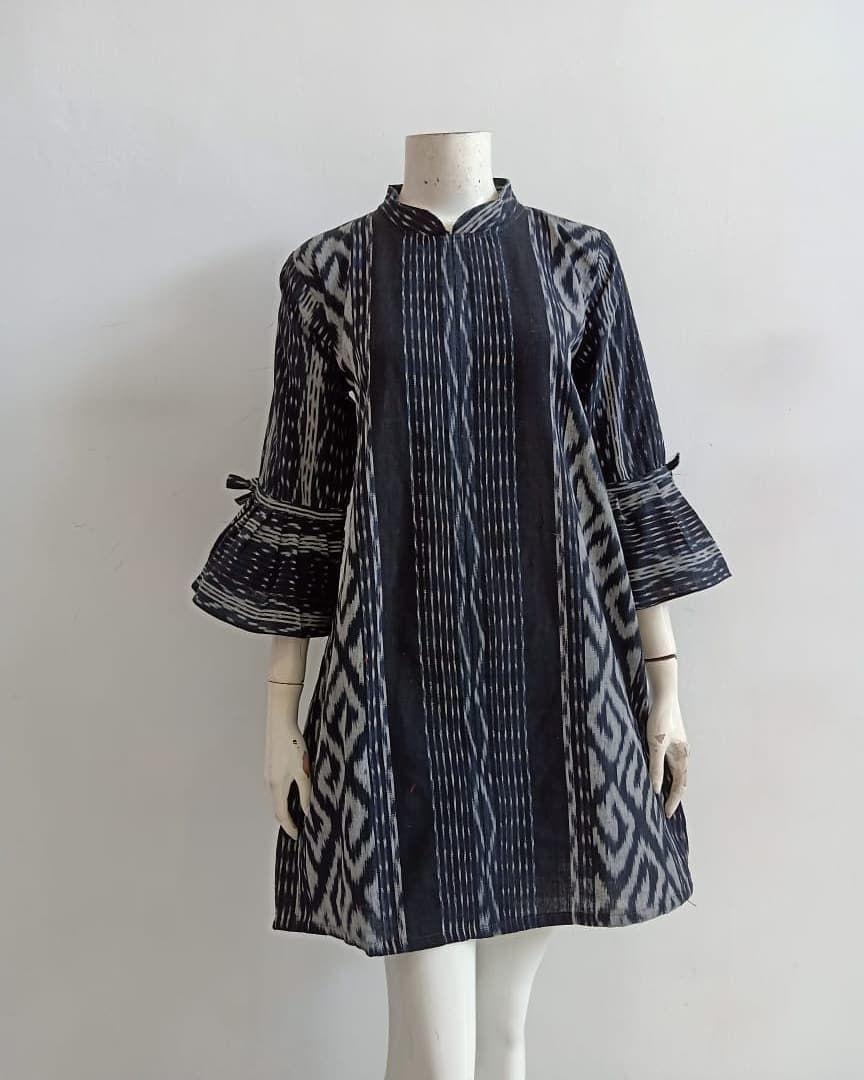 Ulos Carla Batik Halus Tenun Troso Asli M Xl Rits Belakang Pakaian Pakaian Wanita Blus