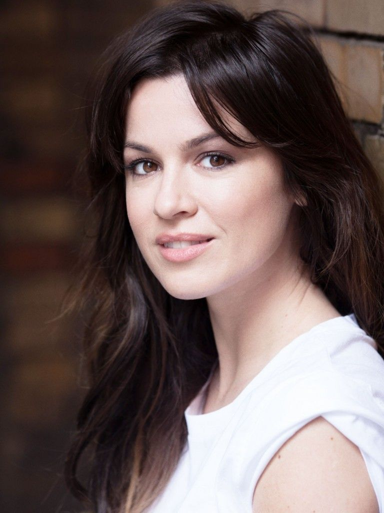 Natalie Avelon