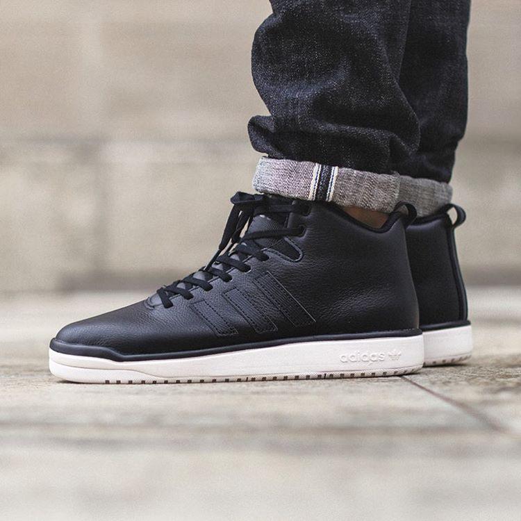 adidas Originals Veritas Leather: Core Black