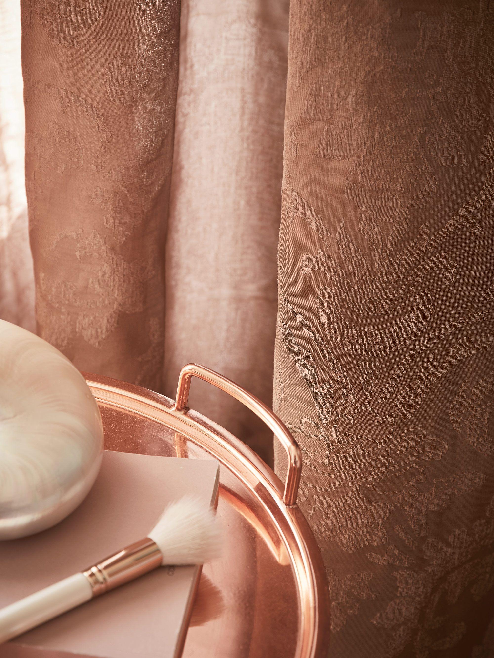 roze gordijnen met een luxe uitstraling