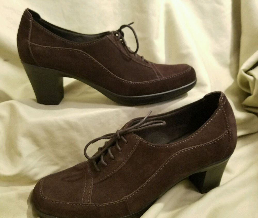 Women's Clarks Bendables shoes size 10 heels brown Suede granny Heeled Lace  up