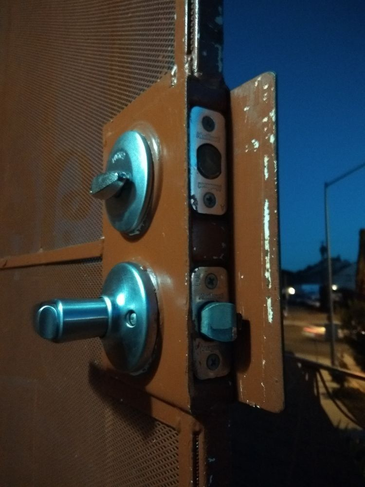 Zig zag locksmith service los angeles 4245818927 in