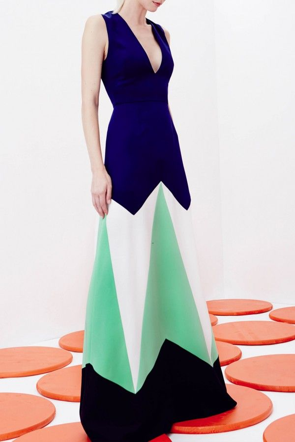 NOVIS – SS16 – PREORDER http://www.precouture.com/en/7035-novis-spring-summer-2016 PRECOUTURE.COM is the first European website offering the possibility to preorder the looks straight from the runway. Wear the SS16 looks before they hits stores!