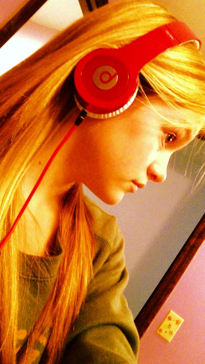 Beats(; best brand ever   You r at a mini concert