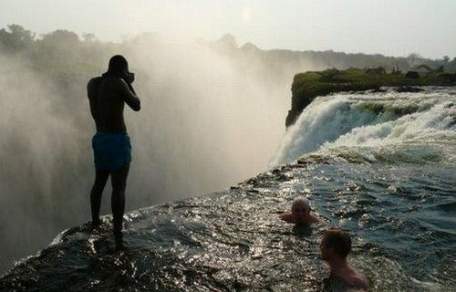 Devil's Pool On the Edge of Victoria Falls ... http://www.rockingfacts.com/swimming-in-the-devils-pool/