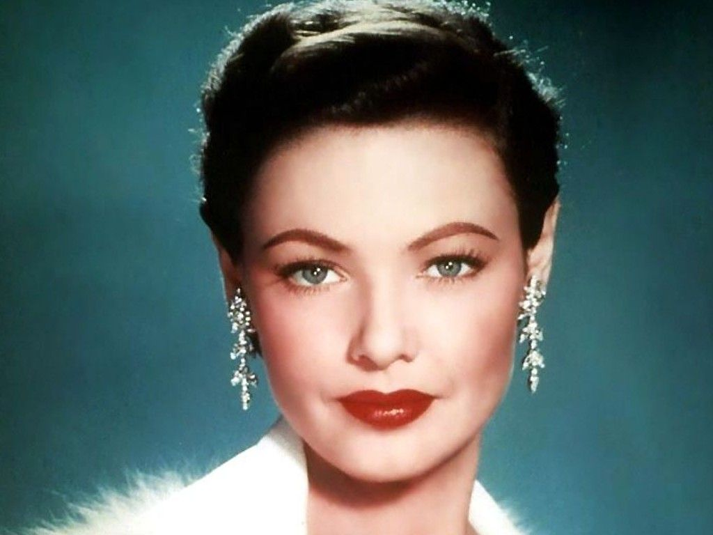 Gene Tierney.  Am getting crazy Catherine Zeta-Jone vibes from this picture.  Biopic, anyone?