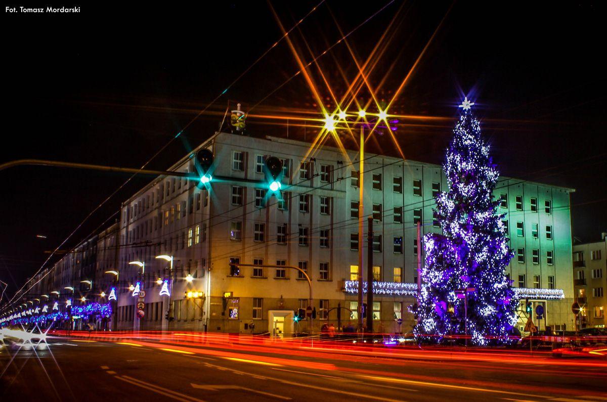 Świąteczna ulica Świętojańska / Christmas in Gdynia's high street - ul. Świętojańska. | fot. Tomasz Mordarski | #swietojanska  #gdynia  #christmas