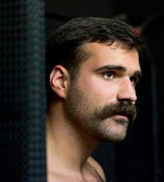 The eyesand stache have it! Barber Pinterest Bigote - tipos de barba