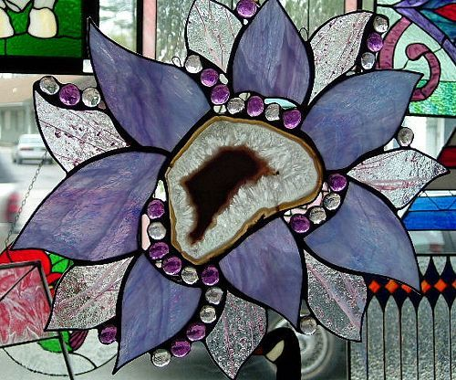 AGATES STAINED GLAS | Copyright 1999-2012 Holidaze Stained Glass. All rights reserved.: