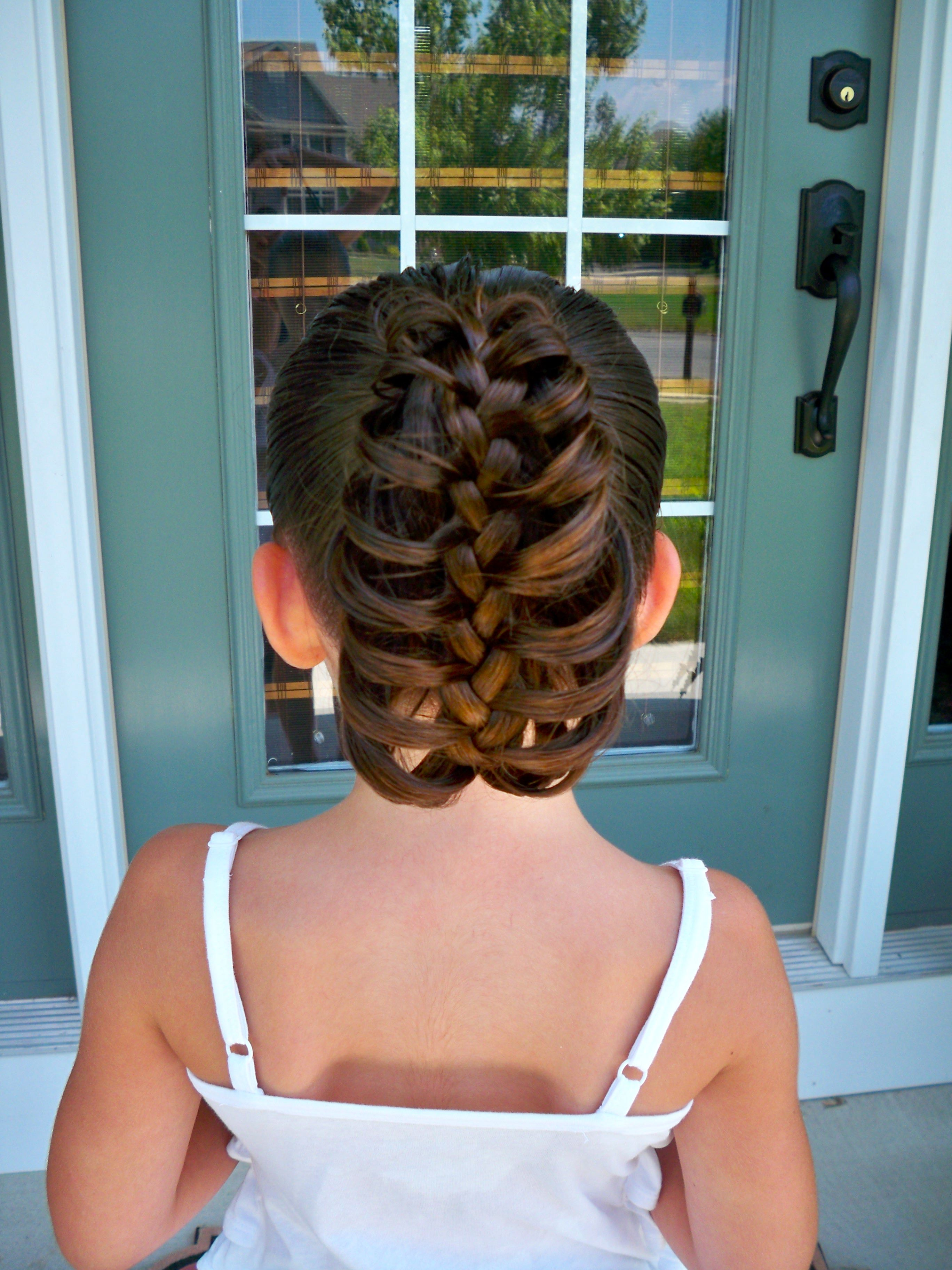 Easy 5 minute hairdo for kids.   Kids hairstyles, Hair styles, Girl haircuts