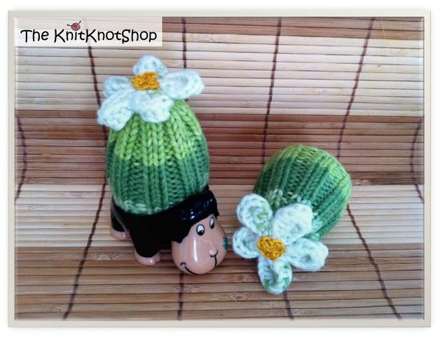 Diese super schöne Frühlings/Oster Eierwärmer mit Blumen machen schon am Morgen gute Laune! Ich verkaufe immer zwei Eierwärmer zusammen. Jeder ist jedoch ein Unikat, nicht exakt wie der andere und...