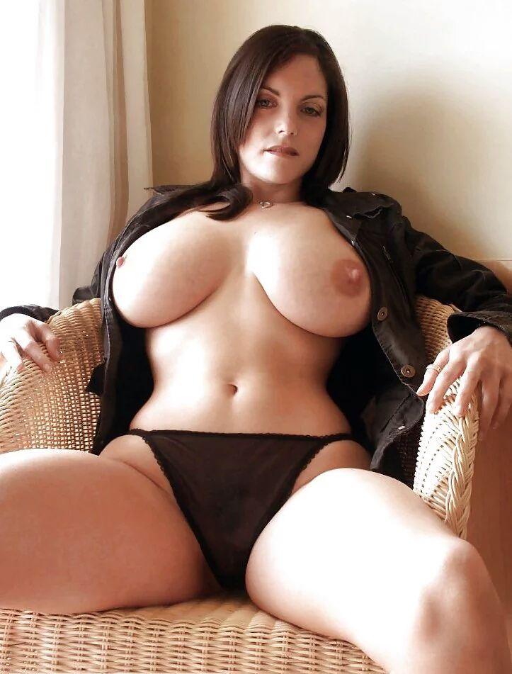 Voluptuous nude brunettes