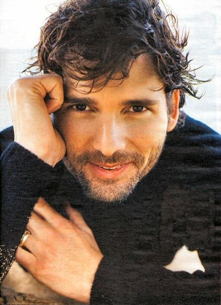 Will always have a crush on Eric Bana. yum.