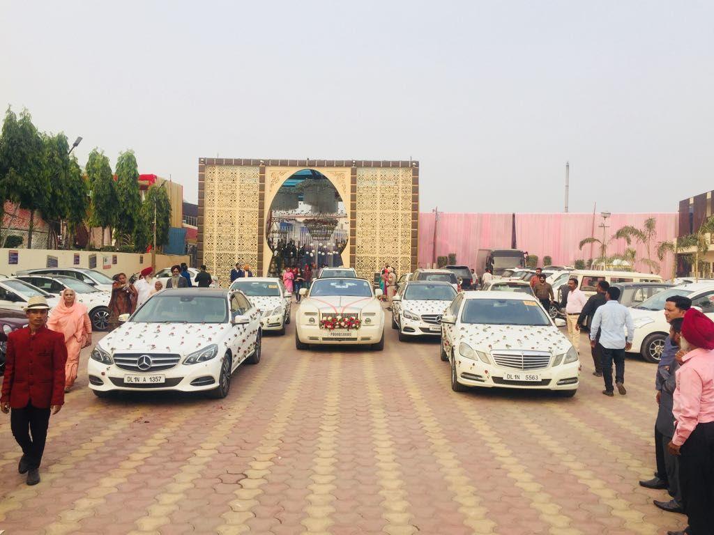 Selddrivecardelhi Innovacristacarhiredelhi Weddingcar Weddingcarrentalservices Luxurycarrentalservices Weddin Car Rental Service Luxury Car Hire Car Hire