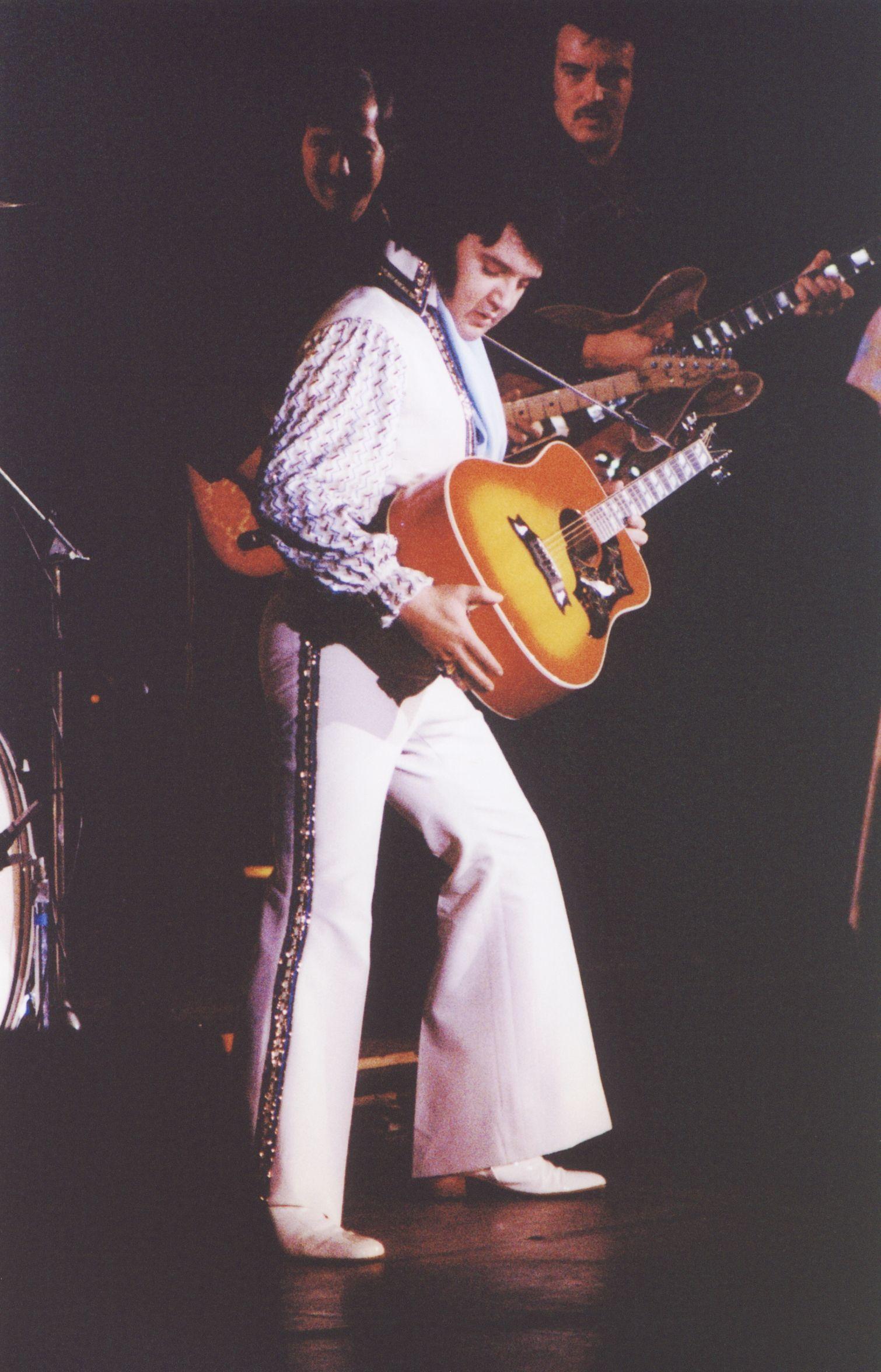 Elvis Presley In Concert Elvis Presley Elvis Presley Concerts Elvis Guitar