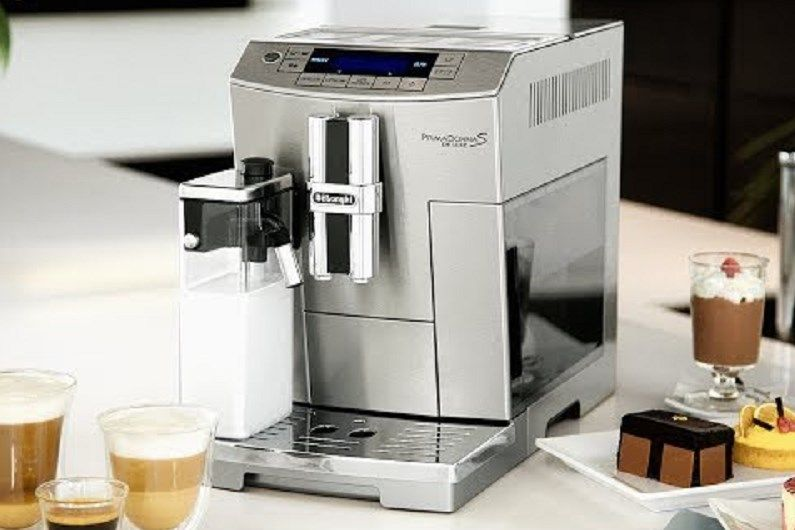 اكتشف سر نكهة القهوة الشهية و المحضرة في المنزل مع افضل الة صنع القهوة التي تعمل بتكنولوجيا مبتكرة لتقدم لك مشروب القهوة Coffee Coffee Maker Kitchen Appliances