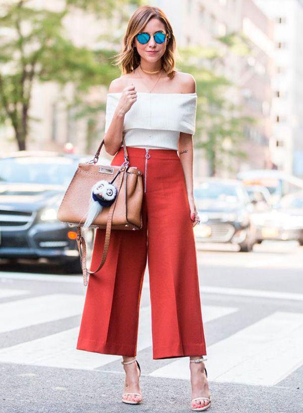 A calça pantacourt é um modelo bastante polêmico que vem ganhando o coração  das fashionistas ao redor do mundo. O melhor dela é a versatilidade  pode  ser ... 6c92e057d2