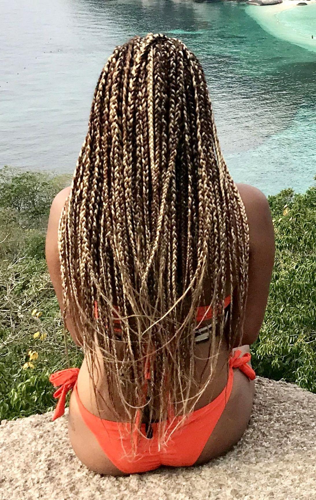 Gorgeous long box braids. Mix of brown and blonde hair. #BraidsForWomen #longboxbraids