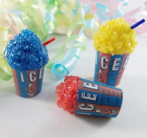 Handmade realistic ice texture makes this icee inspired charm look almost like the real thing! It even smells like it too! Icees are perfect for summer! #Decadentminis