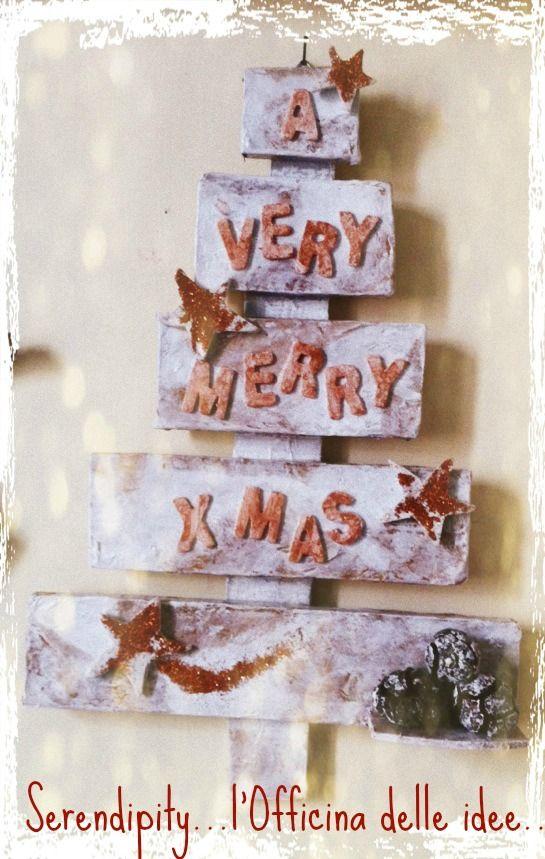 Christmas Tree!!! Albero di Natale in materiale di recupero!!