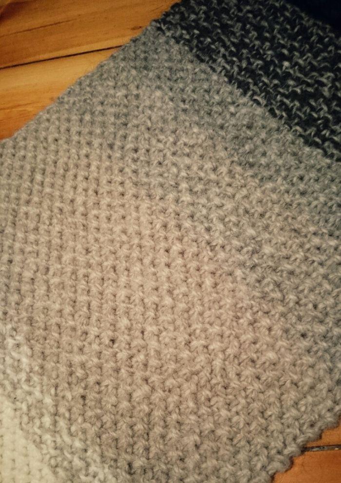 DIY – Schal mit Farbverlauf stricken – Ombré-Schal | Stroemann ...