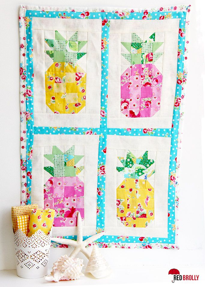 Summer Fun! Mini Pineapple Quilt - Red Brolly