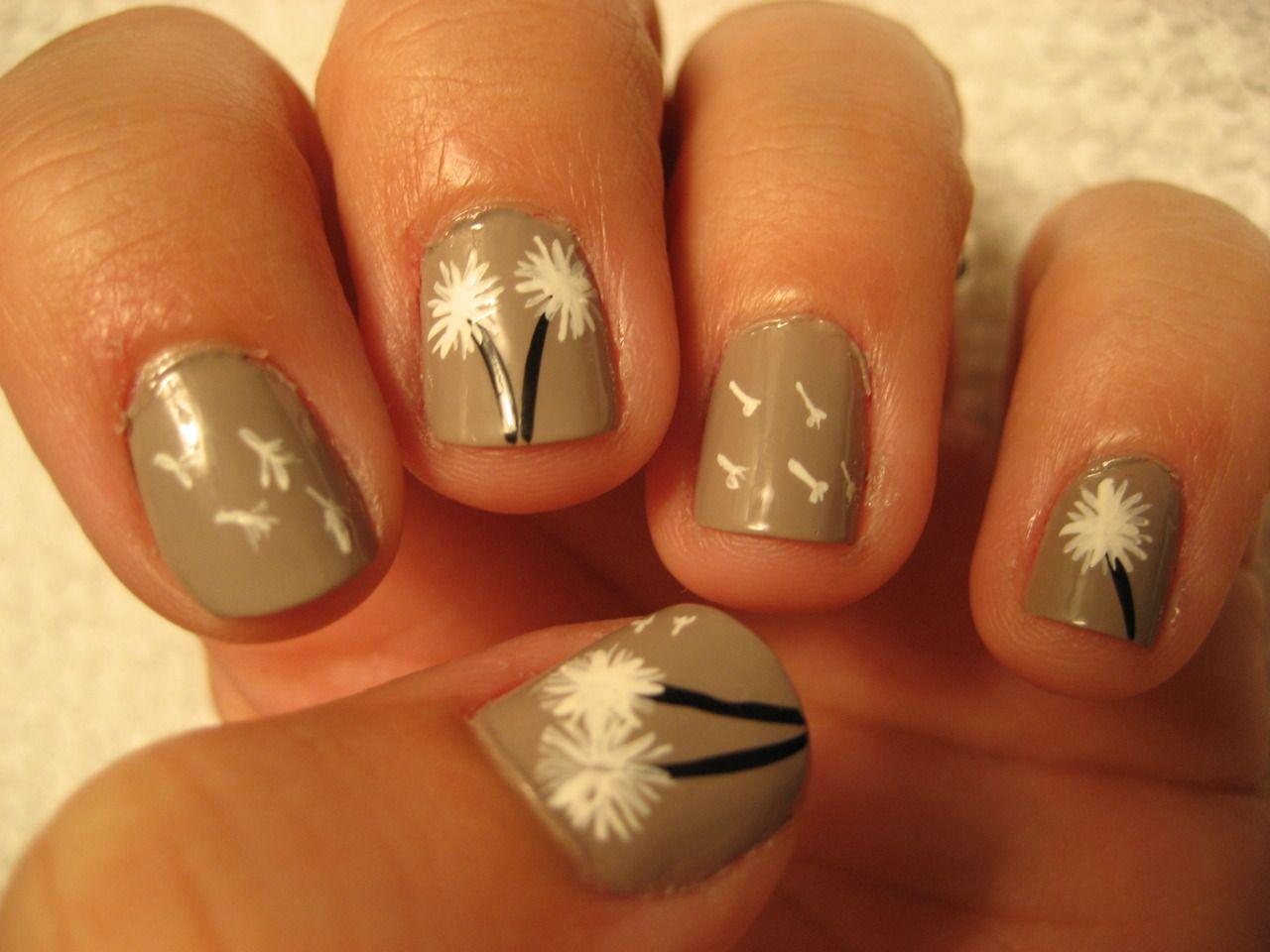 cute dandelion nails :)