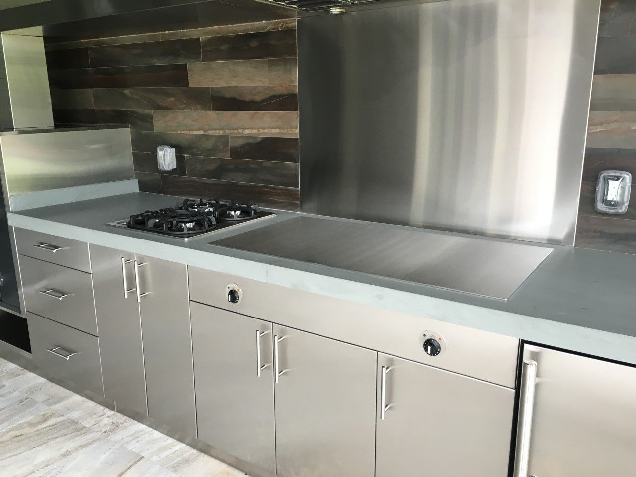 This Teppanyakigrills All Stainless Steel Outdoor Kitchen Comes In At Number 8 Of The Top 2019 Posts In 2020 Outdoor Kitchen Appliances Outdoor Kitchen Kitchen Design