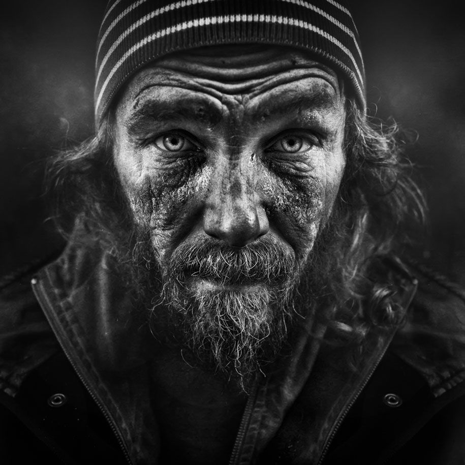 Man becomes homeless to capture powerful photos powerful