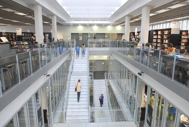 Biblioteca Sagrada Família (Eixample, Barcelona) barcelona_sgda-familia_08