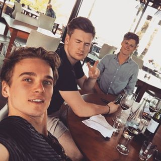 Instagram photo by joe_sugg - There's three types of people when taking a photograph..