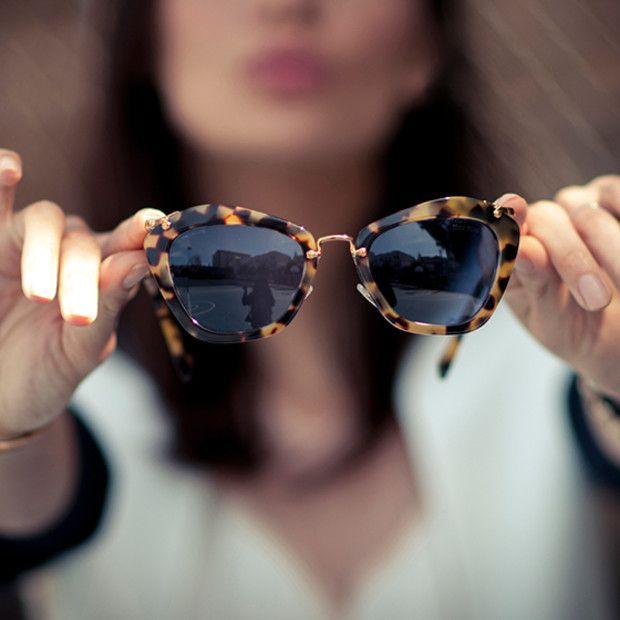 9d4785ddc3960 Miu Miu Noir ♥  oculos  de  sol  miumiu  sunglasses  oticas  wanny  vintage…