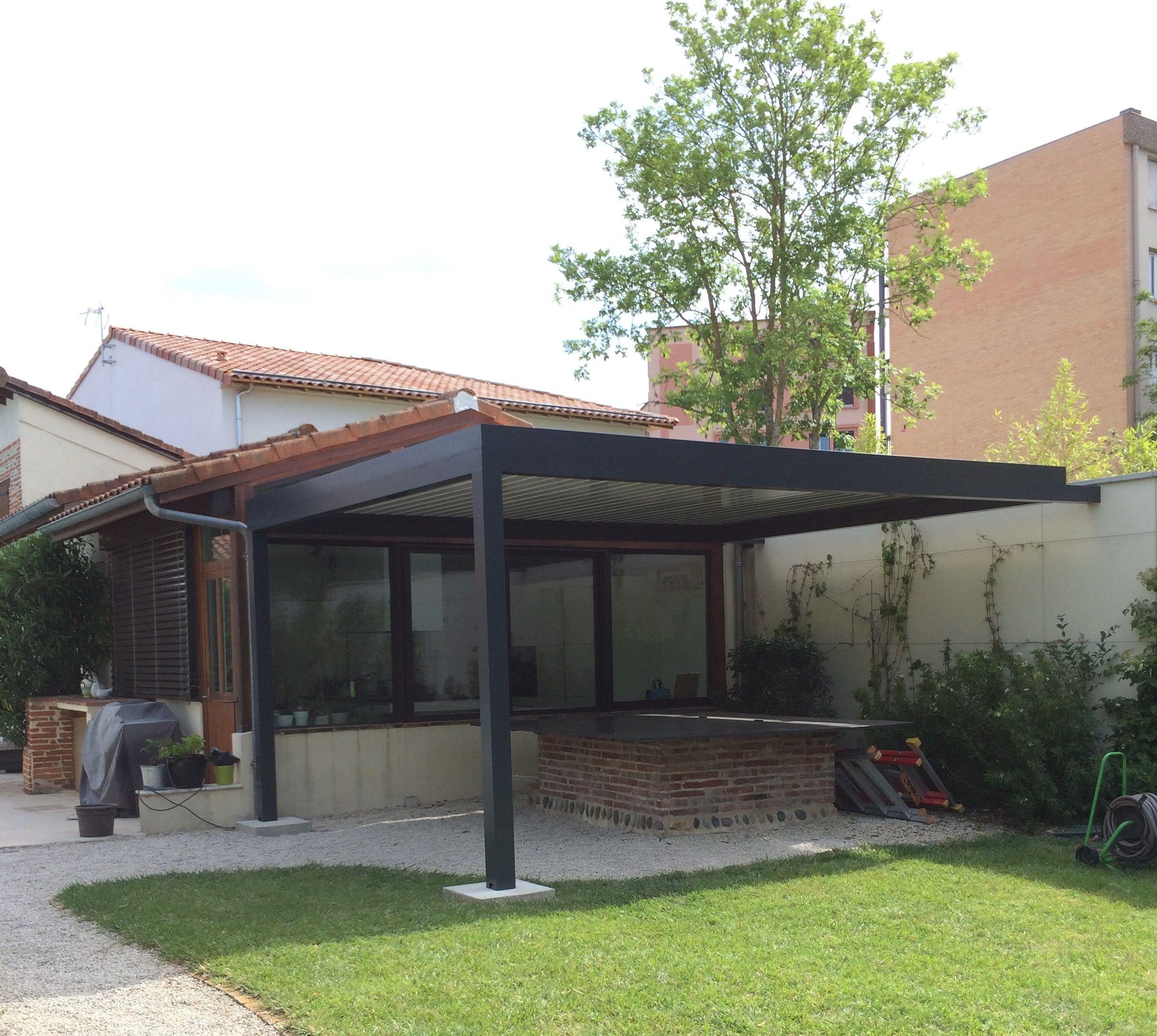 Pergola bioclimatique à lames orientables, installée chez un de nos clients ! Rdv sur le site !