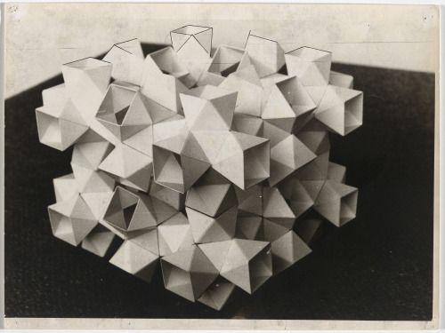 Günter Günschel  , Innen und aussen bespielbarer Pavilion Kunststoffelementen aus für elektronische Medien 1963, • Ink on photography, 20.9 x 29.9 cm