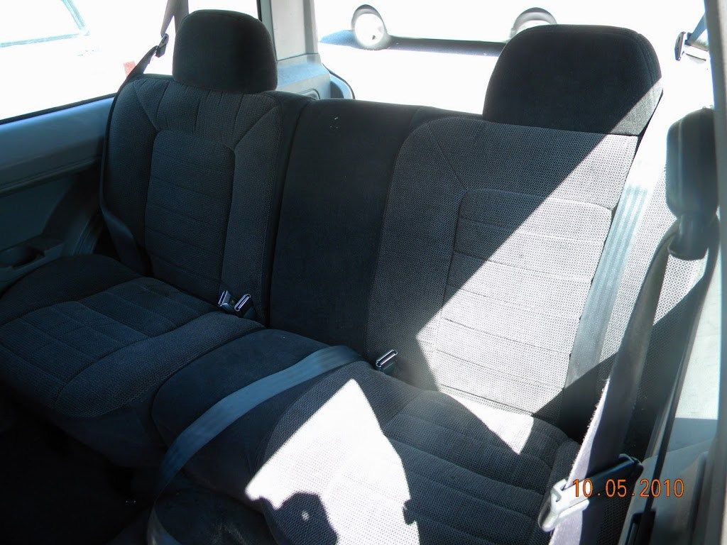 Zj Rear Seat In A Xj Cherokee Rear Seat Cherokee And Jeeps