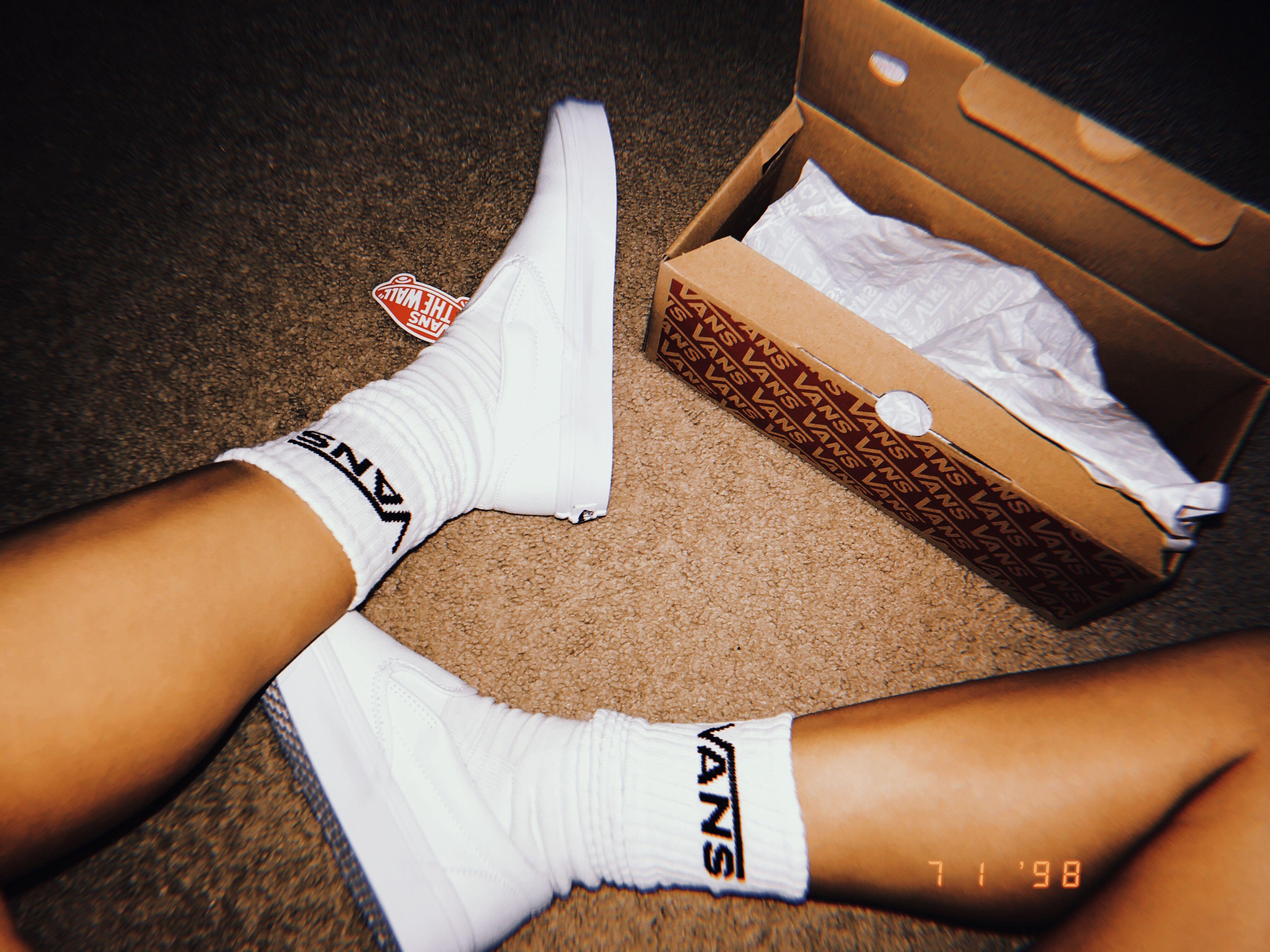 vans, Vans socks, White vans outfit