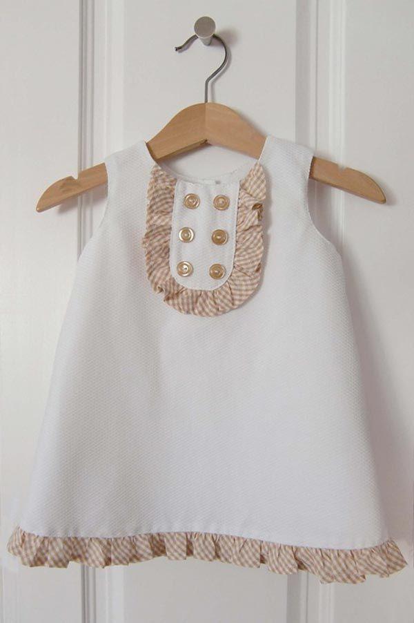 patron gratuit une robe chasuble pour b b fille id es. Black Bedroom Furniture Sets. Home Design Ideas