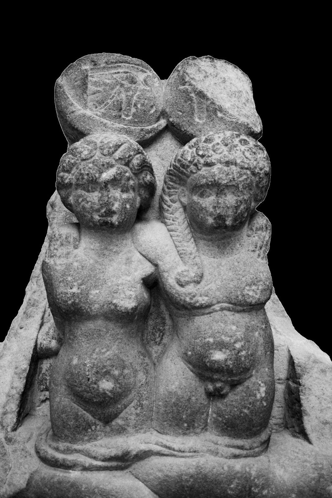 cleopatraselenealexanderhelios twins born to antony and