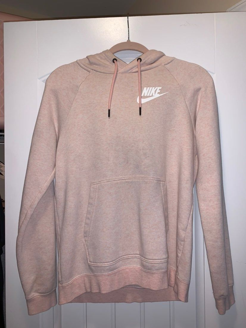 Blush Nike Hoodie Women S Only Worn Once Tons Of Compliments Only Selling Because I M Out Of Space There Is A Small Co Nike Hoodie Hoodies Fashion [ 1100 x 826 Pixel ]