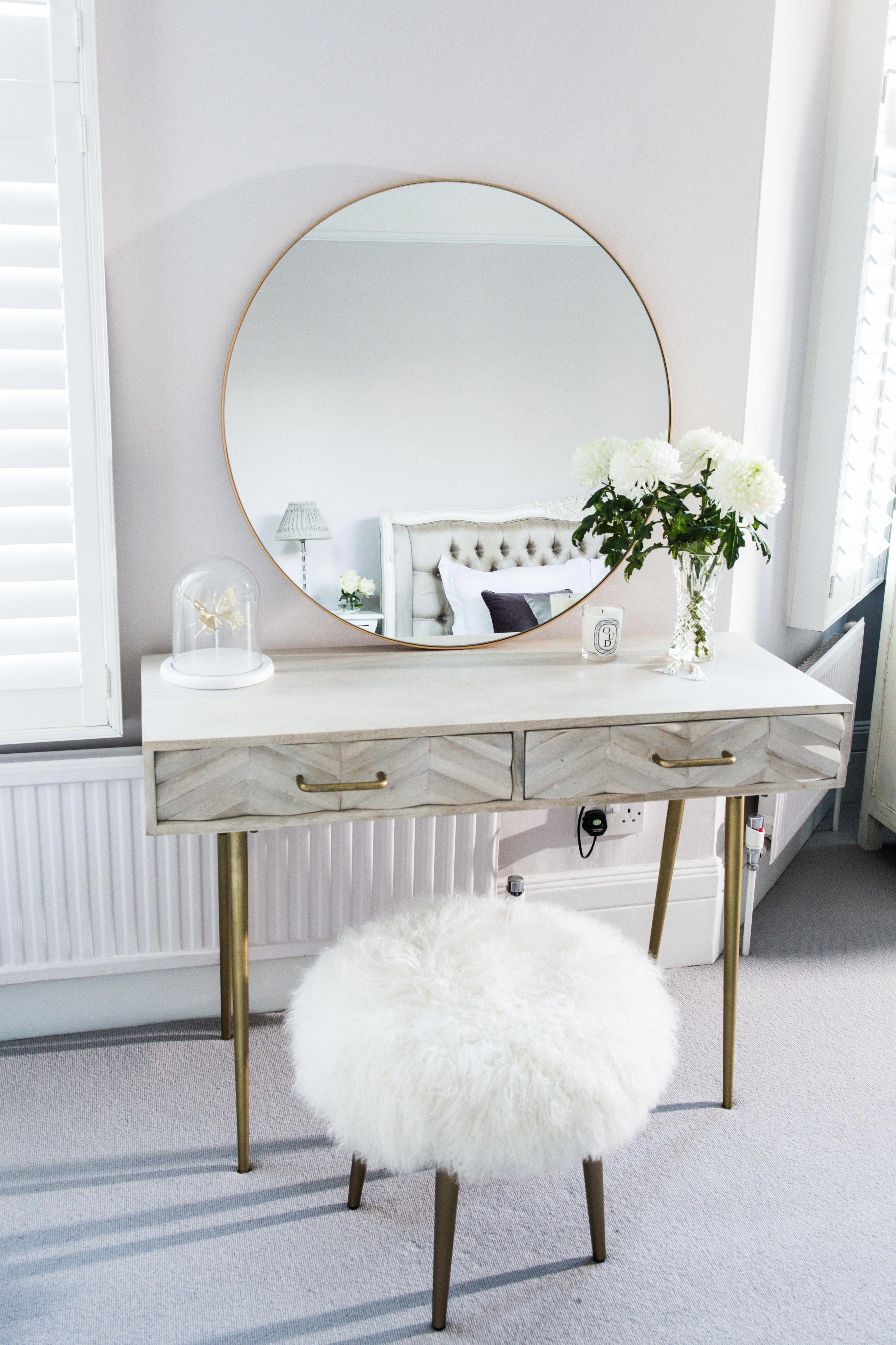 Comfy Swivel Chair Living Room Dressing Table Decor Stylish Bedroom Bedroom Interior