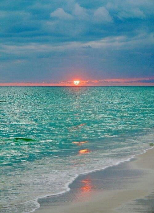 Wow So Beautiful Heavenly Horizons Pinterest Beach Sunset And Ocean