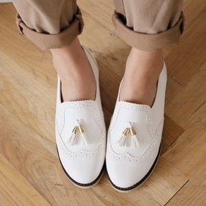 Korea womens shopping mall [styleberry] Classic Surgical point Loafers / Size : 225-250 / Price : 54.61 USD #korea #fashion #style #fashionshop #styleberry #lovely #shoes #loafers #classic #simple