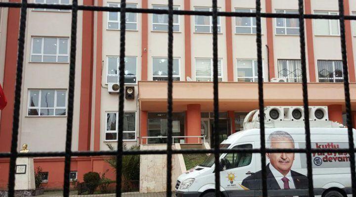 'AKP'li lise' tartışmalara konu oldu